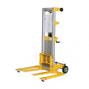 Vue arriere du gerbeur encadrant a manivelle levee 2500 mm capacité 181 kg