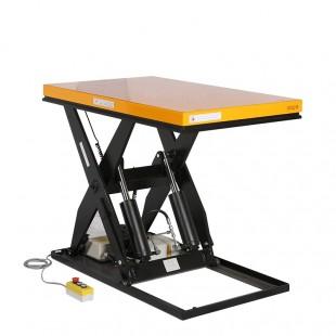Table élévatrice électrique 2000 kg en position haute. Plateau 1300 x 1000 mm