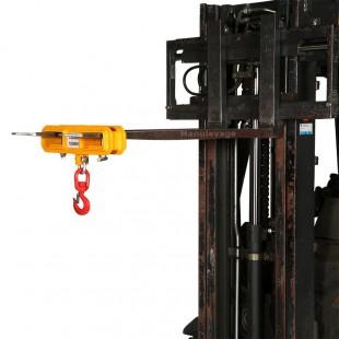 Crochet installé sur le chariot élévateur pour lever des charges jusqu'à 1000 kg